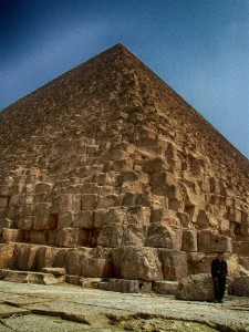 Soldat an der Cheops-Pyramide