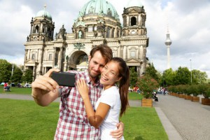 Paar vor Berliner Dom