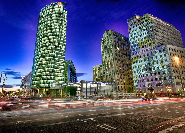 Potsdamer Platz mit Deutsche Bahn und Ritz Carlton