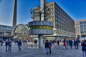 Weltzeituhr Alexanderplatz - Sehenswürdigkeiten Berlin