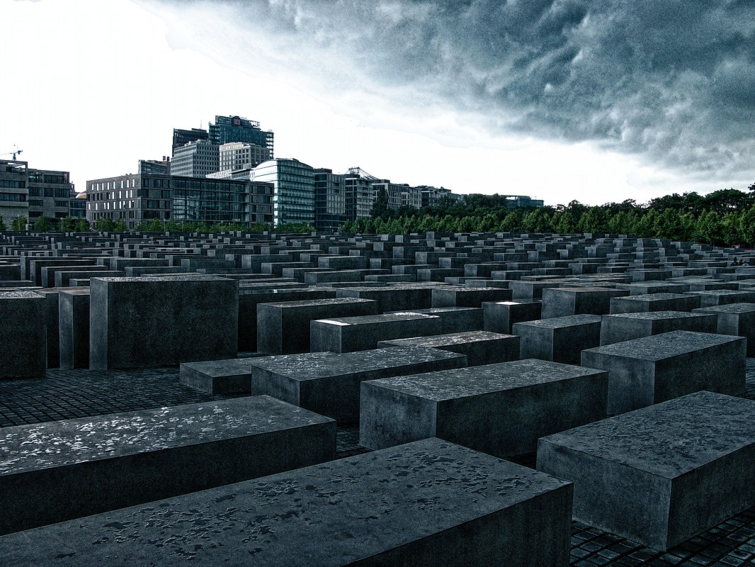 Holocaust Mahnmal Stelen in Berlin