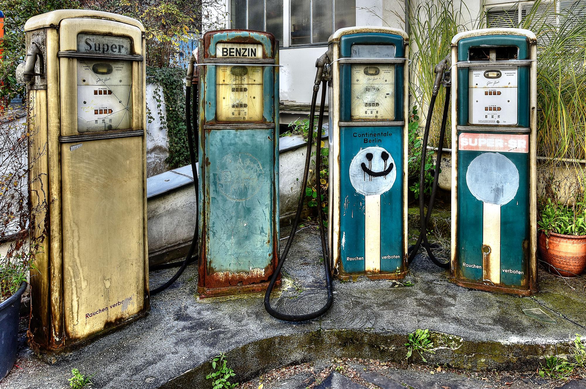 Gas Stations Near Me >> Verlassene Tankstelle in Berlin