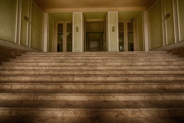Elite Internat Eingang Treppe