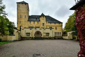 Neue Hakeburg - Hof
