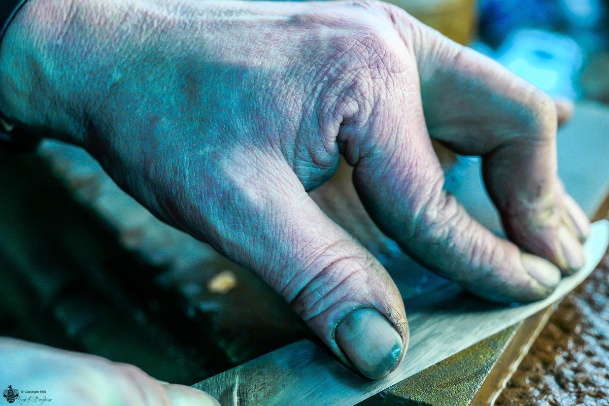 Messer mit Hand schleifen
