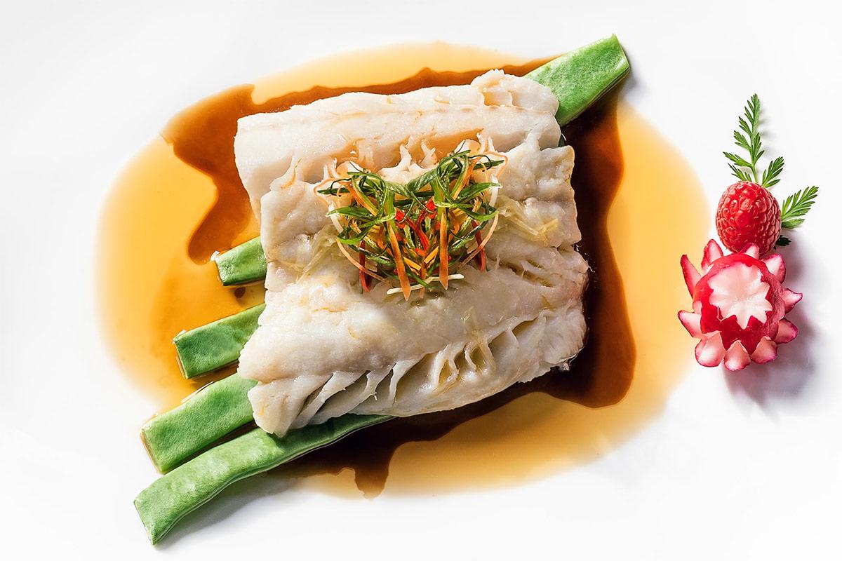 foodfotografie-fisch-bohne-radieschen