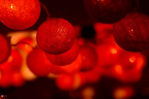 weihnachtskugeln-rot