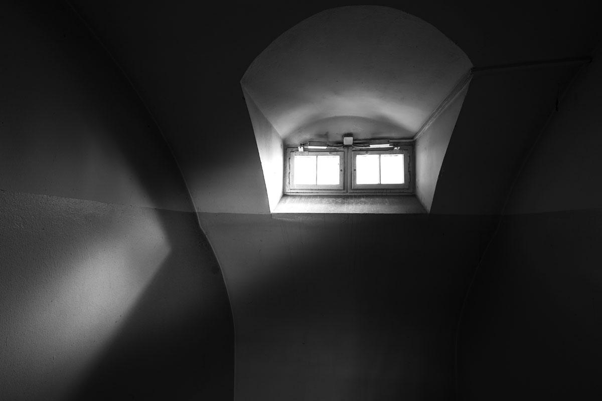 Frauengefängnis hoch angebrachte Fenster